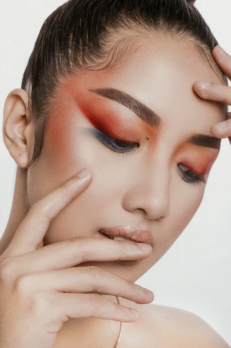 Które trendy w makijażu na 2021 rok zasługują na Twoją uwagę?