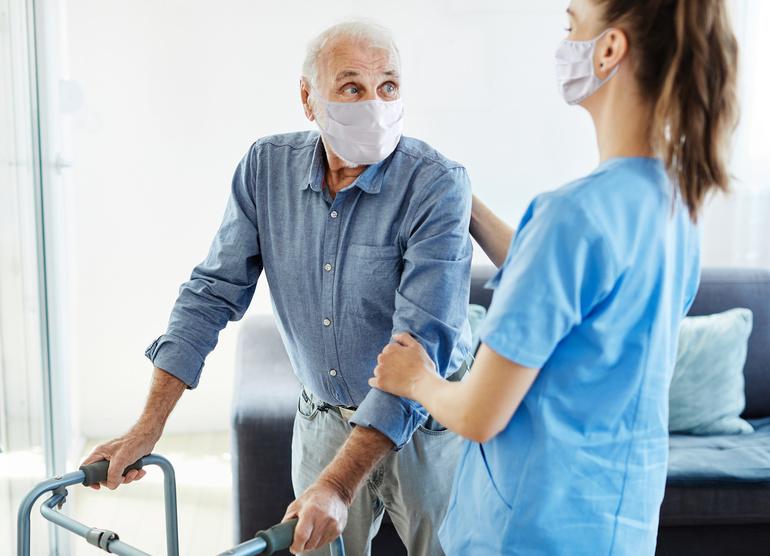 Najważniejsze zmiany w zawodzie opiekunki podczas pandemii