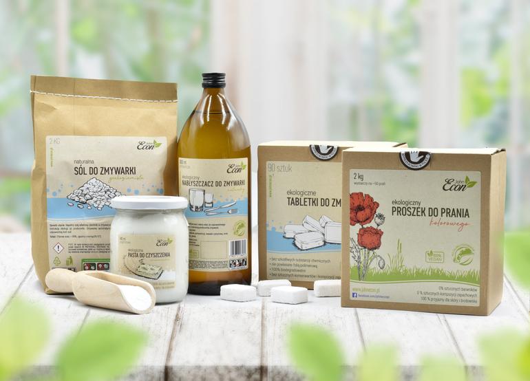 Używanie eko produktów w praniu, zmywaniu i czyszczeniu: to nie tylko zdrowe i przyjazne dla środowiska, lecz także dla twojego domowego budżetu