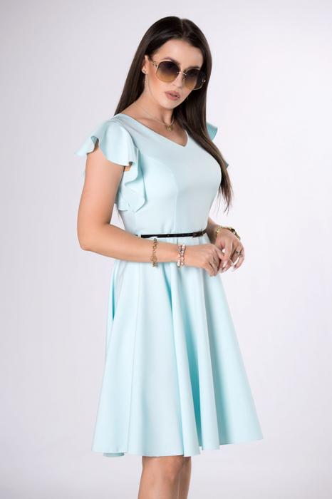 Ciekawe sukienki na wesele lato 2021. Jak się ubrać modnie i stosownie?